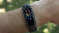 xiaomi-mi-band-6-pode-ter-amazon-alexa-e-gps-integrado