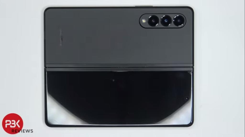 samsung-galaxy-z-fold-3-e-desmontado-em-video